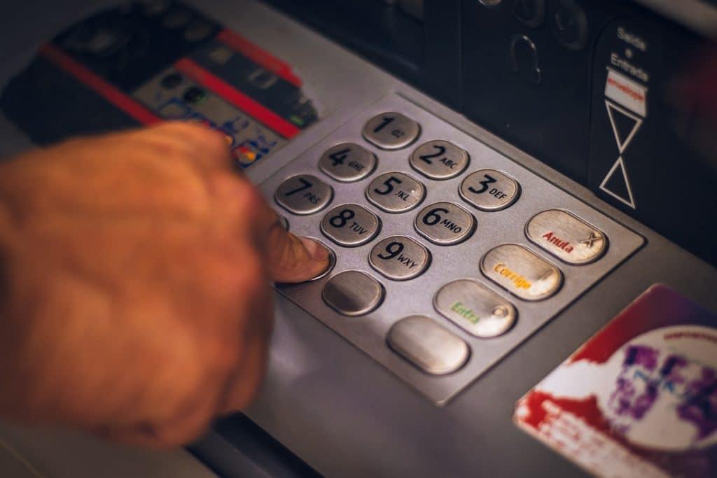 向銀行 機車貸款?還是跟當鋪借錢?5個管道分析給您知!